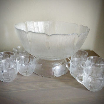 Arcoroc France Fleur 10 piece punch bowl set, pressed flower glass punch serving set, bowl with stand, floral design, vintage serving