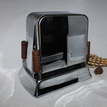 Vintage 1930s Art Décor Flopper Toaster, Montgomery Ward CAT # 04-KW-86-5228.