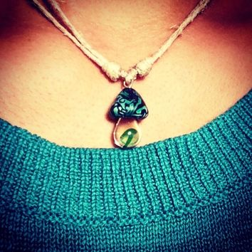 Handmade hemp necklace with glass mushroom pendent