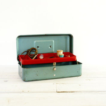 Metal Fishing Tackle Box // Blue Green