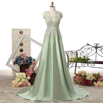 Elegant A Line Long Prom Dresses Satin With Applique Lace Evening Party Dress