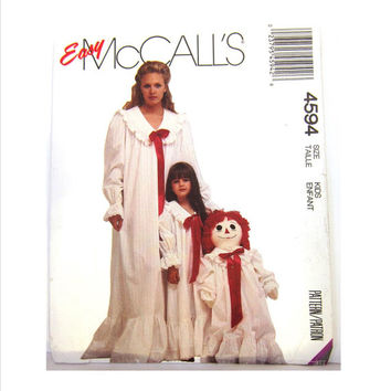 Girls Nightgown Pattern, Vintage McCalls 4594 Easy Pattern, Long Maxi Length Nightie Pattern, Sweet Old Fashioned Nightgown Pattern, Classic