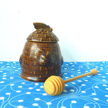 vintage beehive honey pot . breakfast in bed . B+B . homewares . bees . swizzle stick