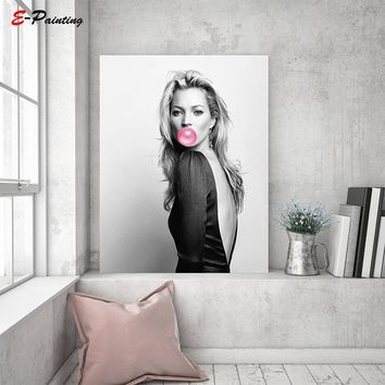 Kate Moss Bubble Gum Wall Art Fashion Print Make Up Powder Room Celebrities Black& White Home Decor Canvas Painting