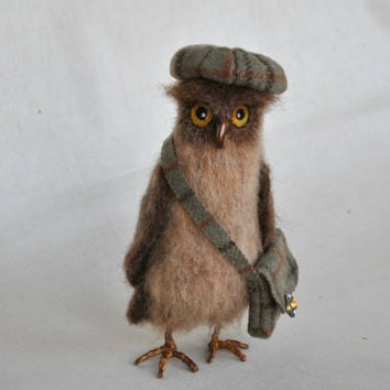Needle felting owl, wool toy, felted bird, Wool Animal. Halloween Owl.
