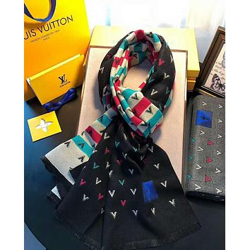 LV Louis Vuitton Stylish Women Men V Letter Jacquard Cashmere Cape Tassel Scarf Scarves Shawl Accessories