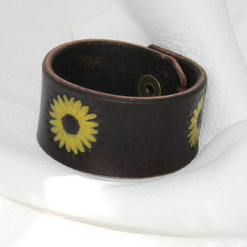 Colorful Leather Wristband Cuff Hand Painted Sunflower, Autumn Gift for Wife Mom, Sunflower Bracelet Rustic Womens Wristband Girlfriend Gift