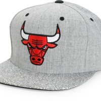 NBA Mitchell and Ness Bulls Crackle Snapback Hat