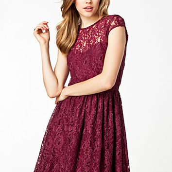Fancy Lace Dress - Dark Pink - Wine - Party Dresses - Clothing - Women - Nelly.com Uk