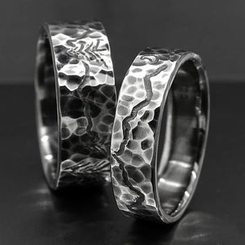 unique wedding bands, mountain range ring set, engraved landscape rings for him and her, outdoor wedding rings, custom wedding bands silver