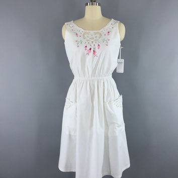 Vintage Sundress / 1980s Embroidered Dress / White Cotton Cutwork Day Dress / Pink Floral