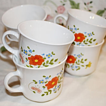 Corningware Coffee Mugs Set of 6 orange Floral Pattern on Stark White Background Excellent