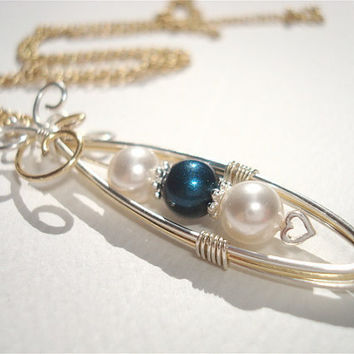 Peas in a Pod wire wrapped necklace - Customize & choose your colors -  Pearl pendant - Mom necklace