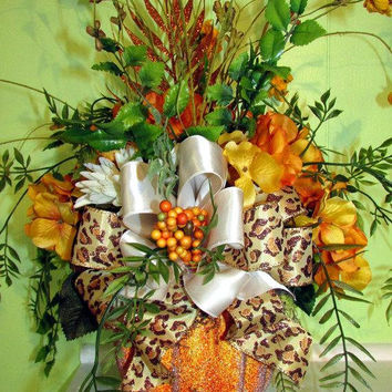 Hydrangea centerpiece, Floral arrangement, Fall centerpiece, pumpkin decor, Sunflower decor, Thanksgiving decor, centerpiece, fall wedding