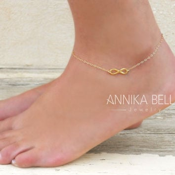 Gold Infinity Anklet, Dainty Gold Anklet, Gold Filled Infinity Anklet, Delicate Gold Ankle Bracelet, Layering Anklet, Gold Foot Jewelry.