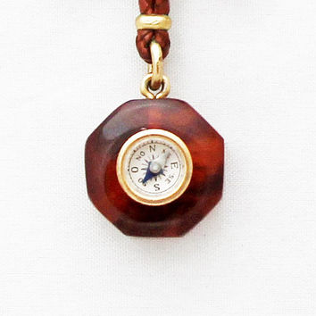 Vintage 1930s French Bakelite Compass Brooch Pendat Compass Charm