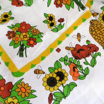 Terry Tablecloth Tastemaker by Stevens Honey Bee Tablecloth Sunflower Tablcloth Bee Tablecloth Floral Tablecloth Retro Tablecloth
