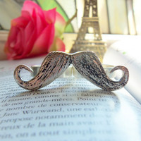 Two Finger Moustache Ring by Ambersmouthwash on Etsy
