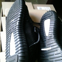 Yeezy 350 Boost 'Pirate Black' - Kanye West - Size 5-11.5