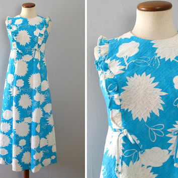 blue hawaiian dress - 60s vintage Hoaloha bright light white floral abstract long full skirt sleeveless tiki boho hippie ruffle muumuu small