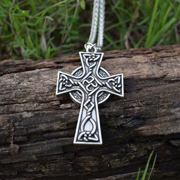 Celtic Christian Jewelry Metal Triquetra Viking Triple Horn Of Odin Celtic Cross Necklaces 1pcs