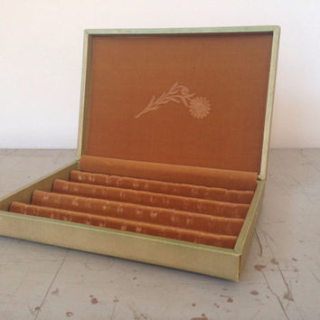 Princess Gardner Jewelry Box - Vintage Gold Earring Case