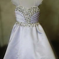 Real Samples Crystal Flower Girl Dresses with Covered Buttons Over Zipper Sheer Cap Sleeves Wedding Dress for Flower Girls