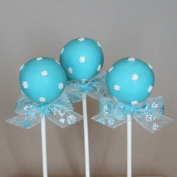 12 Snowflake Cake Pops - for Winter Wonderland, Wedding, Hostess or teacher gift, Disney's Frozen party, birthday or baby shower favor