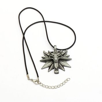 Game Jewelry The Witcher 3 Wild Hunt Wizard Necklace Game Medallion Pendant Wolf Head Necklaces Women Men Charm Gifts
