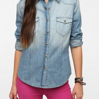 URBAN OUTFITTERS BDG VINTAGE DYE DENIM SHIRT SNAP FRONT 5 STAR REVIEWS XS $59.00