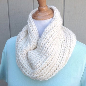 Chunky crocheted cowl - Circle scarf - Womens accessories - Cream neck warmer - Infinity scarf