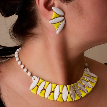 Vintage Lucite Yellow and White Mod Choker and Clip On Earring Set