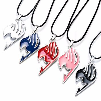 10 pcs/lot Alloy FAIRY TAIL Anime Action Figure Cosplay Cute Cartoon 5 Colors Fairy Tail Guild Logo Pendant Necklace Kids Toys