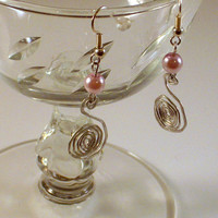 PRECIOUS – Hammered Swan Earrings with Pink Pearl Stones Wired Wrapped with Natural Silver Aluminum.