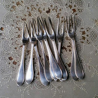Antique Rogers Bros Silverplate Seafood Forks Oval thread Pattern Set of Eleven