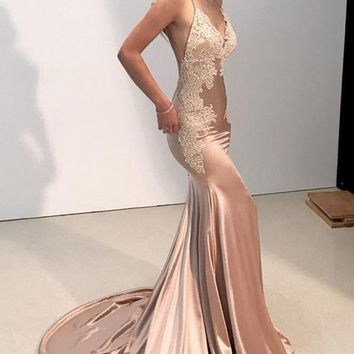 Prom Dress Blush Satin Modest Appliques Evening Dresses