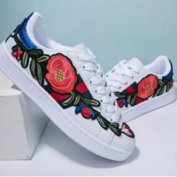Gucci fashionable embroidered old sport shoes