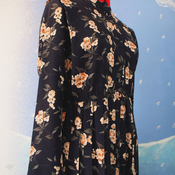 Leslie Fay 70s Vintage Dress // Beautiful Long Sleeve Black Floral Dress // Upper Button Up Long Pleated Dress with Floral Pattern