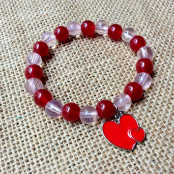 Love Bracelet: red and pink beads with big and small hearts charm