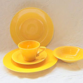 Vintage China 1940 Harlequin Dinnerware Set Yellow 5 Piece Complete Dinner Set  Plates Bowls Cups and Saucers Fiestaware Riviaware