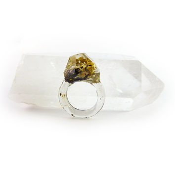 Asymmetrical Faceted Terrarium Ring • Size 5 • Eco Resin Moss Ring • Unusual Art Nature • Faceted Terrarium • Geometric Terrarium Ring