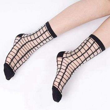 2017 Newest Fashion Women Ladies Fashion Ultrathin Transparent Crystal Lace Elastic Summer Socks Sheer Mesh Ankle Breathable