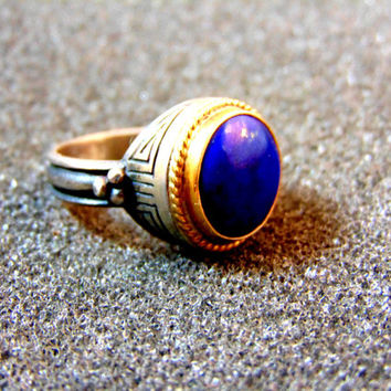 Beautiful women's vintage silver and gold ring-Women statement ring- Silver gold and lapis lazili  statement ring-Antique women's ring