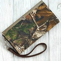Women's Green Realtree Camouflage Wallet With Wrist Strap Clutch Slim Stylish