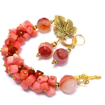 Pink coral necklace Shell chips necklace Carnelian chips necklace luxurious pink necklace agate coral shell necklace pink summer gift