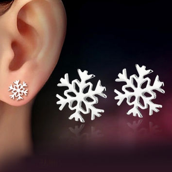 Korean style Cute Silver Plated Earrings for Women Snowflake Piercing Ear Studs Fashion Jewelry Accessories Free Shipping