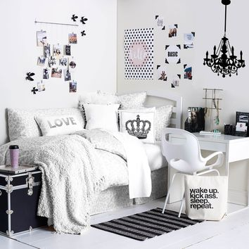 Monochrome Maven Room