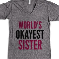 World'S Okayest Sister V-Neck T-Shirt (Idb802216) |