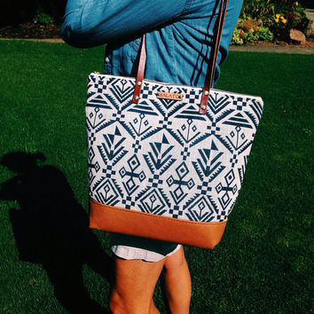 Zipper Purse Woven Tribal Print with Brown Leather Bottom