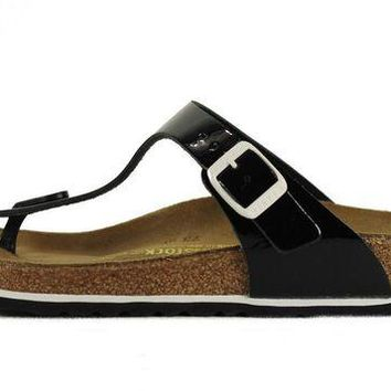 VON3TL Birkenstock for Women: Gizeh Patent Leather Black Sandals